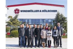 Windmoeller & Hoelscher Topas form fill seal bagging line