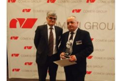 Comexi Group gives Apex packaging award